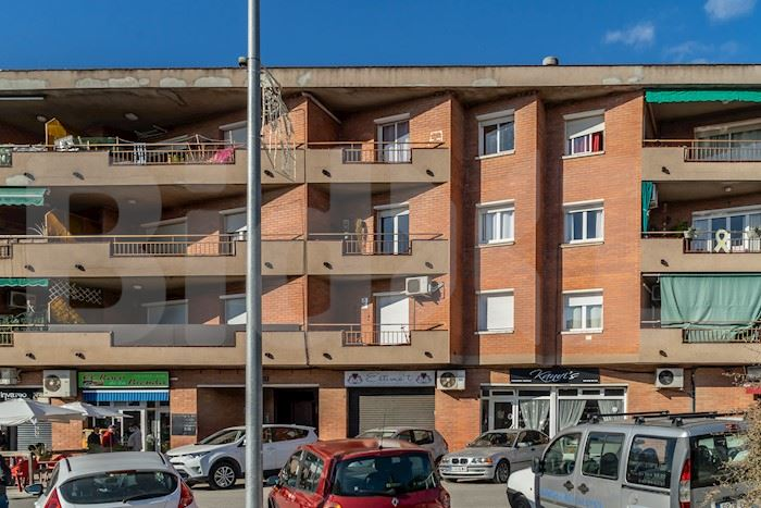 Diagonal, Palau-solità i Plegamans, Barcelona