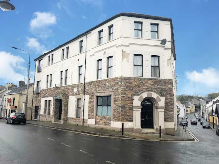 Garda Station, Donegal Town to Lifford - 4 ways to travel via
