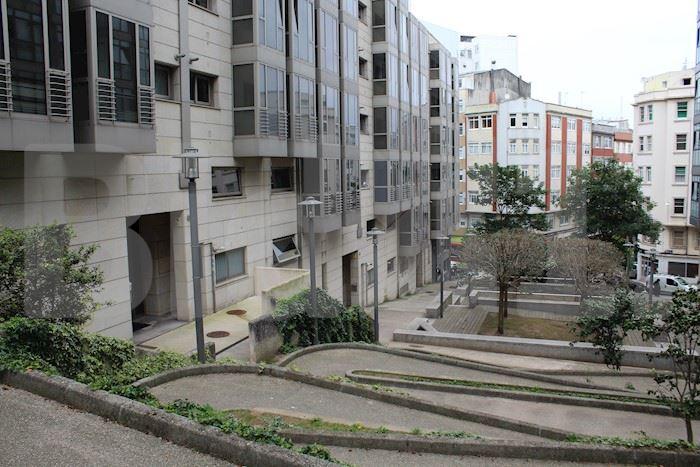 Jacinto Benavente, Centro, La Coruña